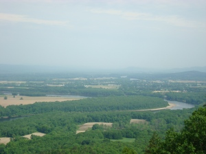 The Oxbow, from vista on the Metacomet-Monadnock Trail